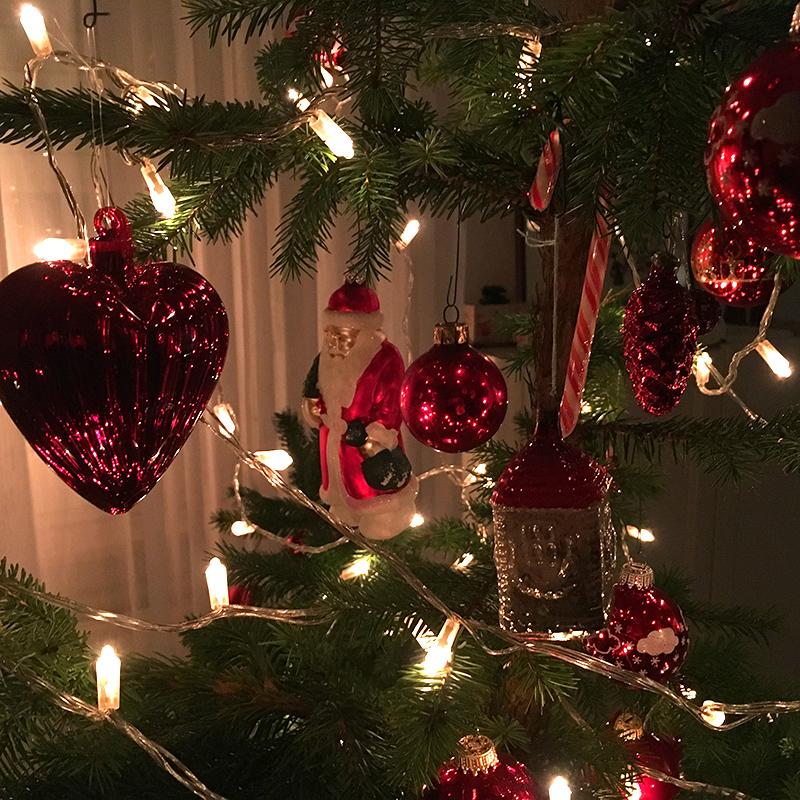 Weihnachtsbaum Dekorieren.Weihnachtsbaum Am Dorfplatz Suderwick Schmücken Und Dekorieren